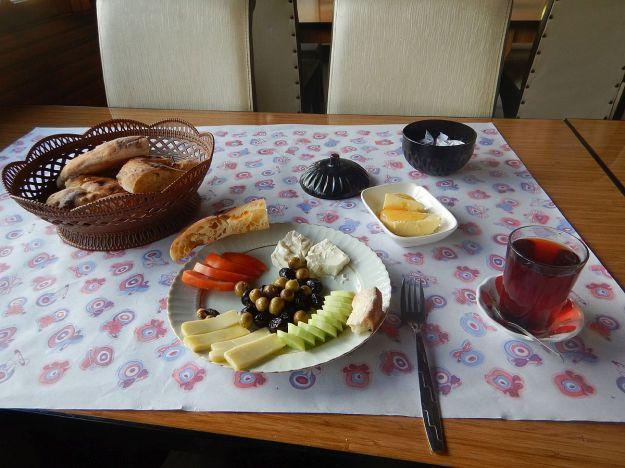 2016-08-05, Filbo Türkei, Region Kavak, spend. Frühstück,DSCN1797