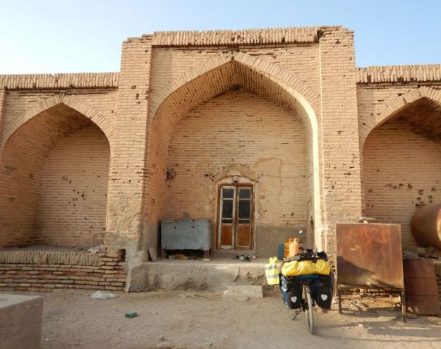 2016-11-05, Filbo Iran,Naein -Ardakan, Karavanerie,DSCN2916