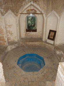 2016-11-08, Filbo Iran,Yazd,unterird. Wasseranlage,DSCN3005
