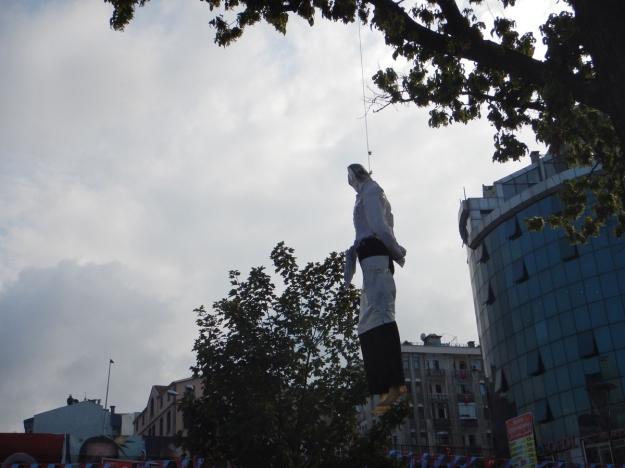 2016-08-29, Filbo Türkei,Trabzon Güllen Figur,DSCN1959